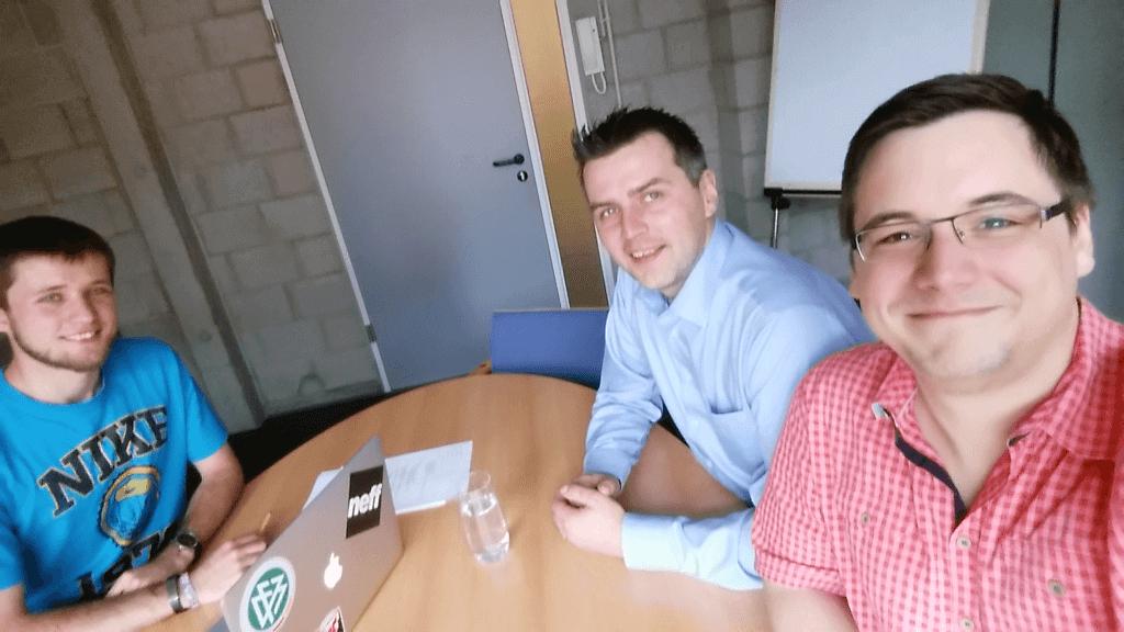 Gerrit Berghaus, Robert Dadanski u. Sven Meyer (v.l.n.r) beim Interview